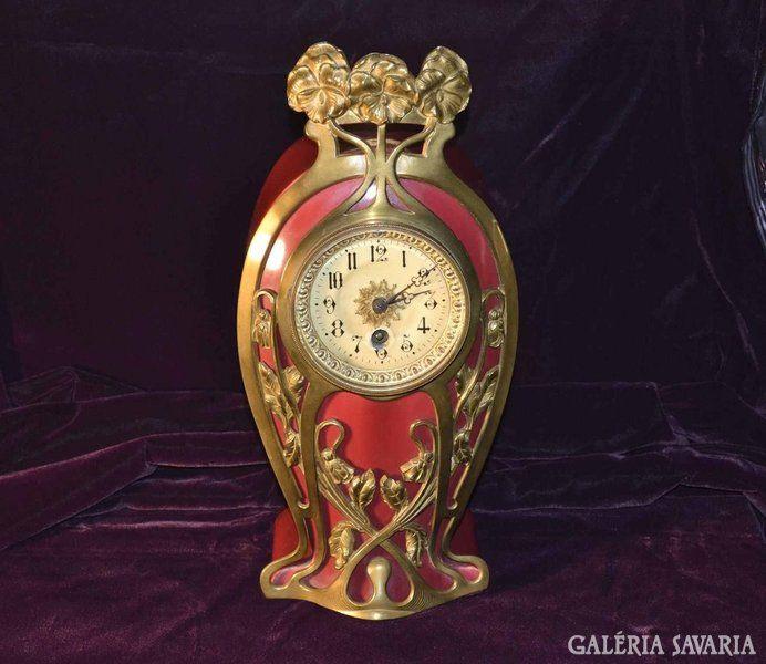 Kandalló óra szecessziós bronz díszitéssel