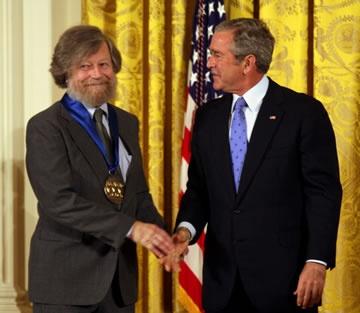 Morten Lauridsen receiving National Medal of the Arts from President Bush