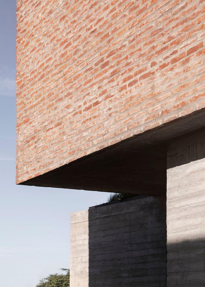 Galeria De Casa Dab Bam Arquitectura 12 Architectural Materials Brick Cladding Concrete Facade