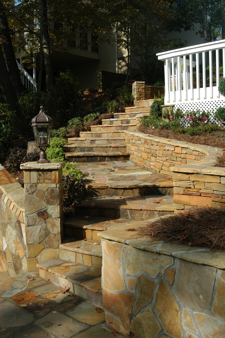 Staircase retaining wall and column with variegated Crab