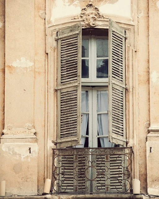17 meilleures images propos de persiennes et volets sur for Decoration fenetre persiennes