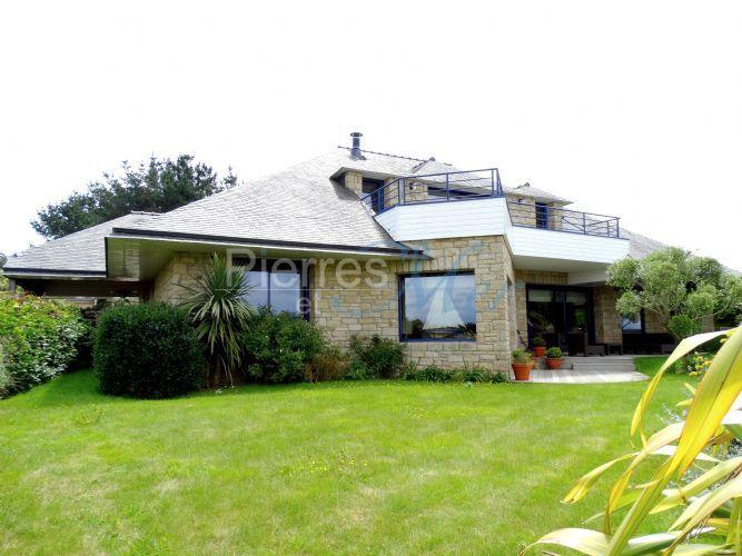 Vente maison d 39 architecte sur golf vue golfe du morbihan for Prix m2 maison architecte