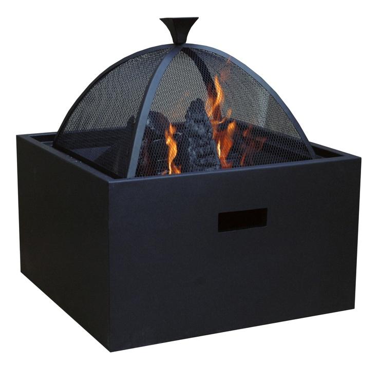 Sol Vuurkorf 3-in-1  -   Deze multifunctionele vuurkorf is ontzettend praktisch! Deze vuurkorf is namelijk ook te gebruiken als barbecue en bijzettafel. Koelt het in de loop van de avond wat af, dan verwijdert u eenvoudig het houten blad en stookt u gezellig een vuurtje. Of u begint de avond met het grillen van een stukje vlees en eindigt met het branden van wat haardblokken....    De vuurkorf 3-in1 wordt geleverd met een grillrooster, grondrooster, houten plank, vuurkorf, schepje en pook.