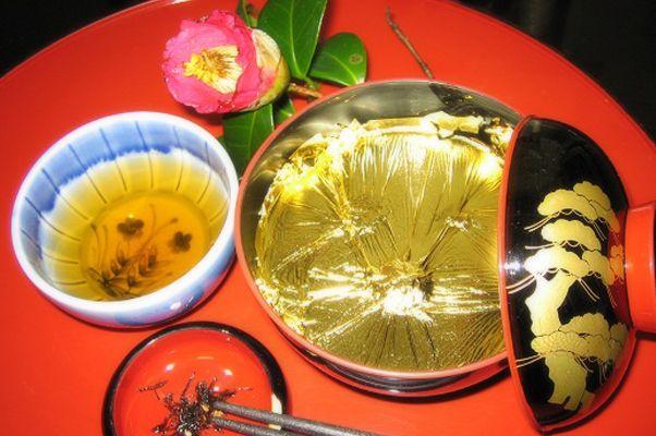 懐華樓カフェ ≪お茶屋の囲炉裏で名物のくずきり・お抹茶≫