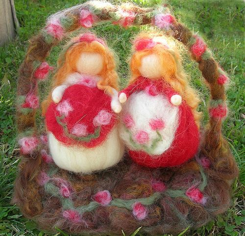 Snow White and Rose Red Wool Needle Felted dolls 4 by Nushkie Design