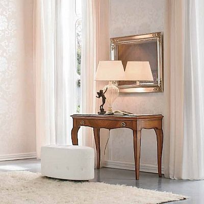 Traditional, vintage and elegant 'Norah' console. Perfect both with a shabby chic or modern house. Great for bedroom, living room, hallway. My Italian Living.