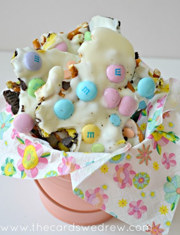 Easter Candy Bark- easy to make and perfect for spring!