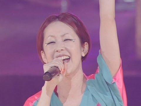 歌手の木村カエラが全国ツアー「KAELA WEB TOUR 2012」の追加公演を日本武道館で3日間にわたって行った。最終日となった6日の公演には約8000人の観客が終結。ツアーのテーマとなったクモの巣をモチーフとした衣装を身にまとったカエラは、最新アルバム「8EIGHT8」の収録曲など全26曲を熱唱した。また、5月16日に発売するニューシングル(タイトル未定)がテレビ朝日系ドラマ「都市伝説の女」の主題歌となることも発表された。