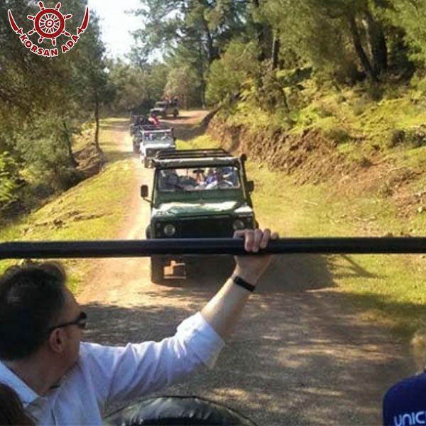 Kaş otel farkıyla Jeep Safari macerasına katılın yürüyüş gibi aktiviteleri bir arada yapabilme şansına sahip olun.  http://bit.ly/1MVfNWQ  #antalya #kaş #tatil #safarimacera Kaş otel farkıyla Jeep Safari macerasına katılın yürüyüş gibi aktiviteleri bir arada yapabilme şansına sahip olun.  http://bit.ly/1MVfNWQ  #antalya #kaş #tatil #safarimacera