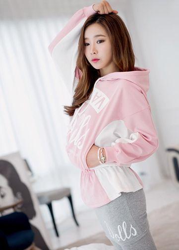 Korea Woman Big size clothing shop. [Jstyle] raining Set Sallanches / Size : L,XL,2XL / Price : 45.42 USD #dailylook #OOTD #JSTYLE #plussize #loosefit #large #xlarge #skirt #Tshirt #SkirtLeggings #trainingwear