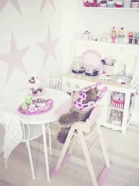 englemor: Girls bedroom / jenterom