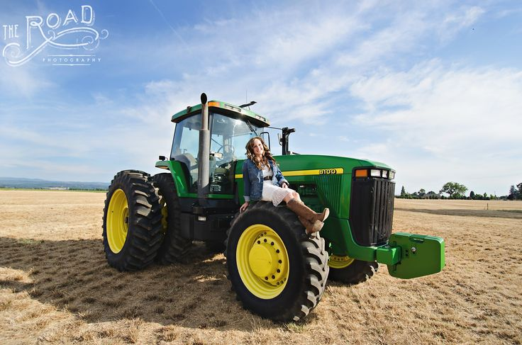 Country Girl Senior Pictures  The Road Photography www.theroadphotography.com county, senior, tractor, poses, girl, western