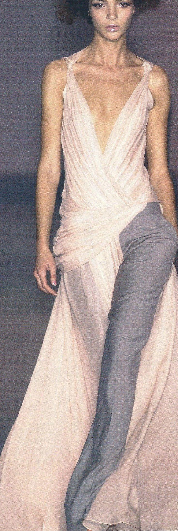 Wonderfull dress: Viktor & Rolf.