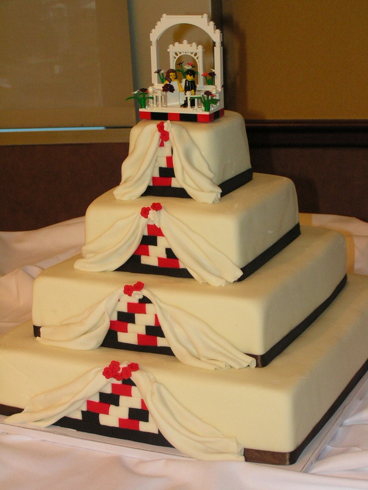 A lego wedding cake- great way to use just your colors!