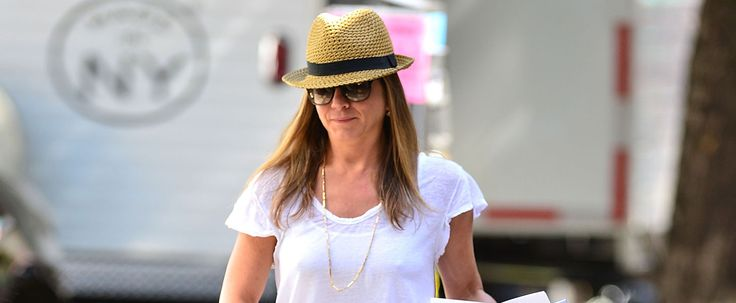 So This Is the Secret to Jennifer Aniston's Effortless Street Style