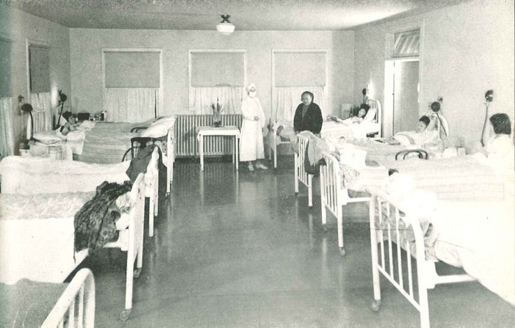 When the Twenties came around, Tuberculosis followed. Tuberculosis is when bacteria primarily attacks your lungs. The issue is whenever someone diagnosed with TB talked, they spread the virus. But with TB came Insulin, which is, debatably, one of the best medical discoveries. To this day Insulin assists in defeating diabetes. (Above, Hospital room housing those diagnosed with Tuberculosis).
