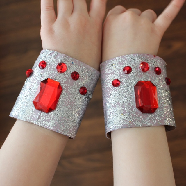 super hero crafts - Google Search Courageous and Strong like Wonder Woman