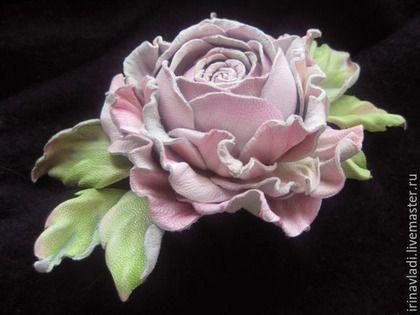 бледно-розовый, цветы из кожи, цветы из замши, розовый цветок, роза из кожи, кожаные цветы, кожаные украшения, брошь цветок, брошь роза, заколка с розами, ободок с розой, заколка из кожи, роза из замши, брошь из кожи, обруч с цветком, ободок с цветком, украшения ручной работы, украшения из кожи, розовая роза, изделия из кожи