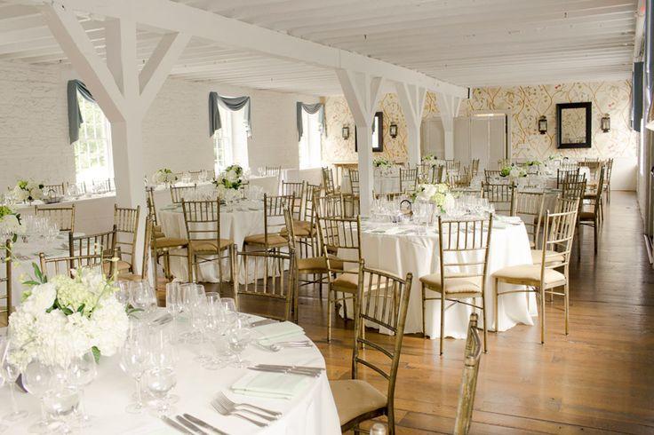 NEW YORK BOTANICAL GARDEN WEDDING /// CAROLINE + PAUL // Photography by Ilene Squires Photography  #wedding #nyc #newyorkbotanicalgarden #photography #ilenesquiresphotography #love #romance #newyorkers #summerwedding #summer #classic #dinner #reception #bright #lovely