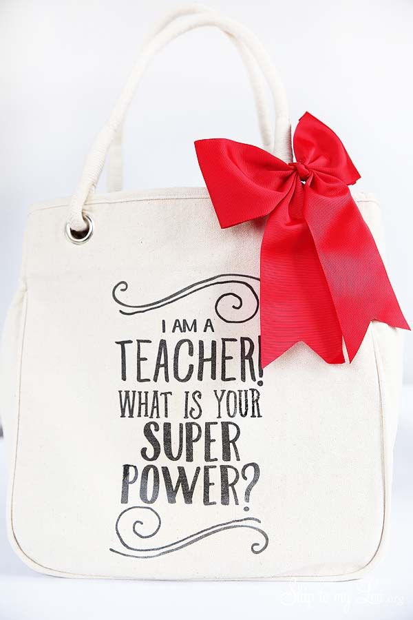 DIY teacher gift tote bag from MichaelsMakers Skip to my Lou
