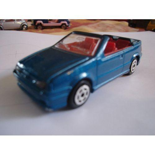 Renault 19 Cabriolet Majorette N°225-Majorette en sujet de gâteau :)