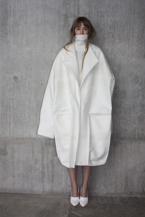 Sculptural Fashion Design - white oversized coat with exaggerated proportions // Ernesto Naranjo