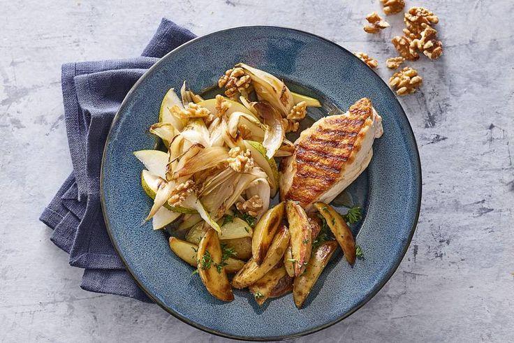 Witlof is een hele goede aanvulling op krokante kip. Lekker met aardappeltjes die nóg krokanter zijn.- Recept - Allerhande