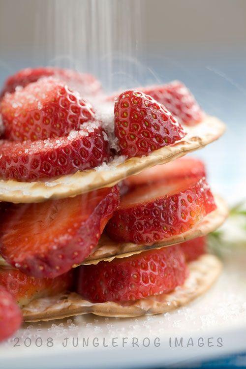 Recept - Aardbei salade met geitenkaas kroketjes - met Beekers Berries aardbeien of zelfgeplukte aardbeien