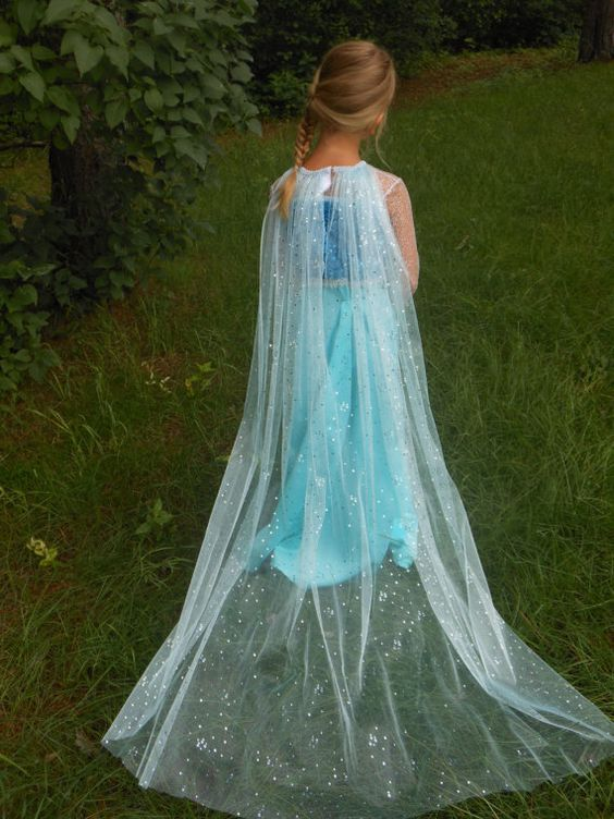 Disney Frozen princess Elsa halloween costume cape do it yourself http://costumecrafty.blogspot.com/2016/07/how-to-make-princess-elsa-cape-no-sew.html