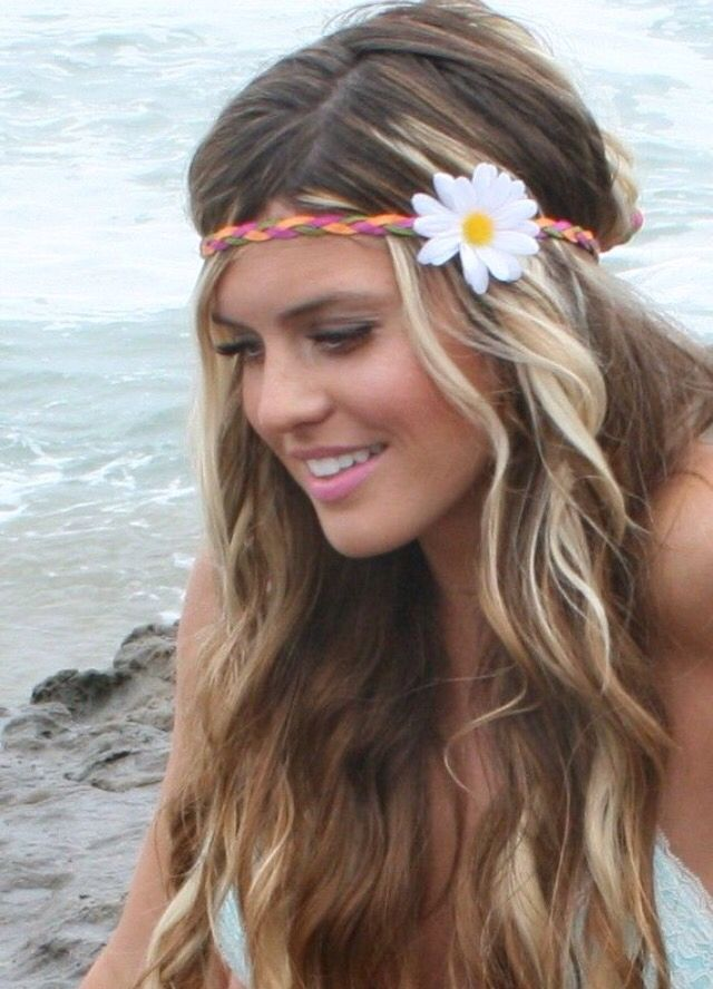 Cute, creative and really easy to re-create, summer curls.
