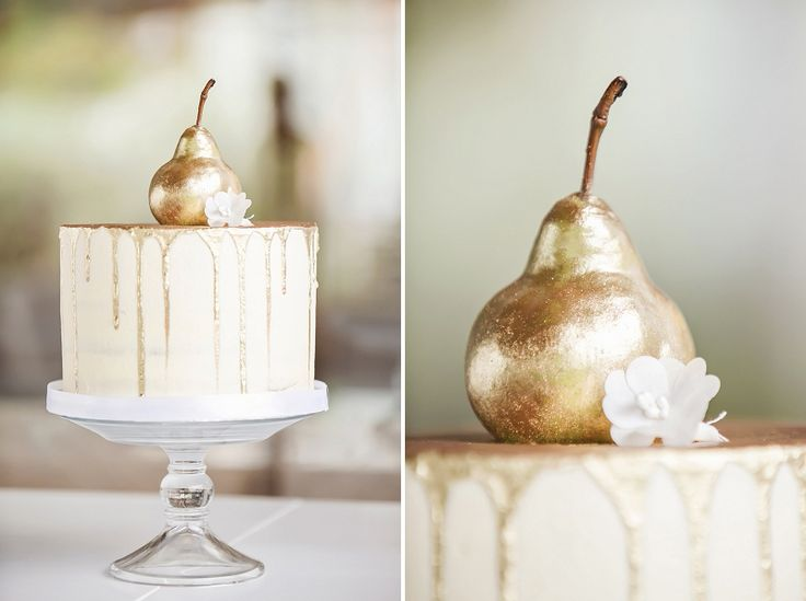 Just love this wedding cake!! Contemporary cool & minimalist but oh-so-interesting with the metallic touches!