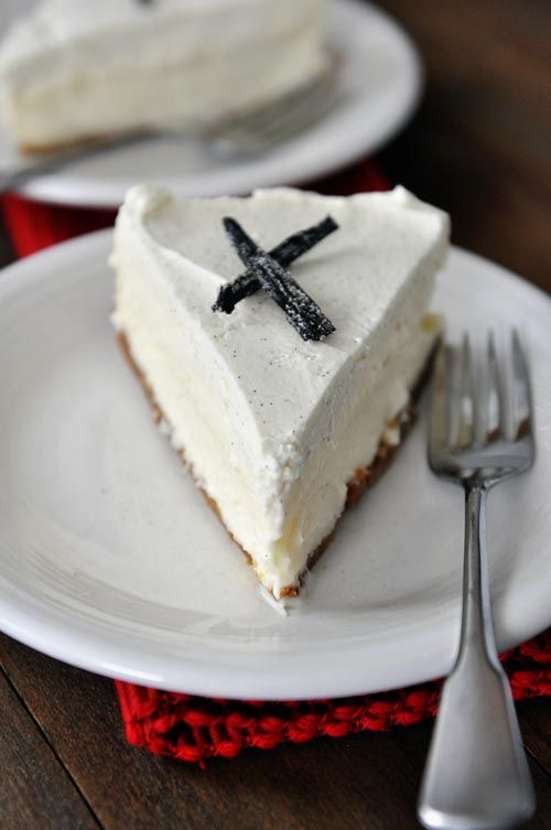Vanilla Bean White Chocolate Mousse Cheesecake