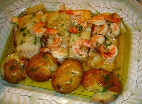 Aprenda a fazer Bacalhau com camarão no forno de maneira fácil e económica. As melhores receitas estão aqui, entre e aprenda a cozinhar como um verdadeiro chef.