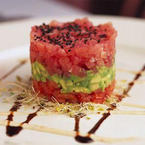 Mmmmm...Tuna Tartare with avocado & crispy shallots.