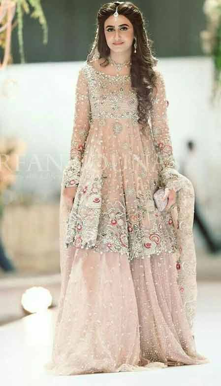 8a4db96c19 Beautiful short frock with sharara for Pakistani engagement ...