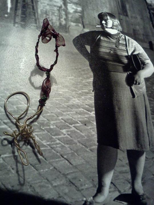 athina handmade jewel- kid with a balloon
