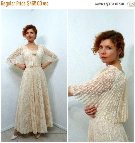20 % robe vente dentelle robe accordéon plissée par KMalinkaVintage