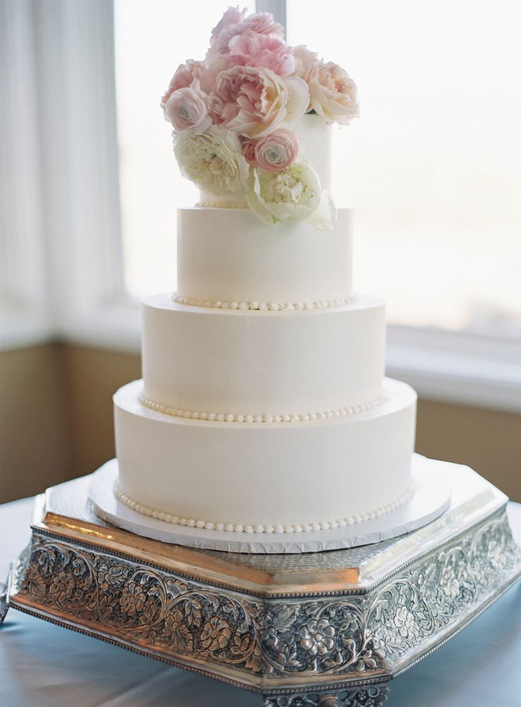 wedding cakes in lagunbeach ca%0A Wedding Cake  Heidelberg Pastry Shop  California Wedding  http   caratsandcake com