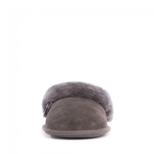 For the classy woman who wants absolute luxury in a natural warm mule style slipper there is the Molly sheepskin mule slipper. Slip on the perfection of our grade A Australian sheepskin mule slippers in a range of fabulous colours. This ladies mule slipper features a durable textile covered TPR sole, 100% genuine sheepskin lining and double faced shearling upper, being a natural product sheepskin is best worn next to the skin and will even keep your feet cool and comfortable in summer.