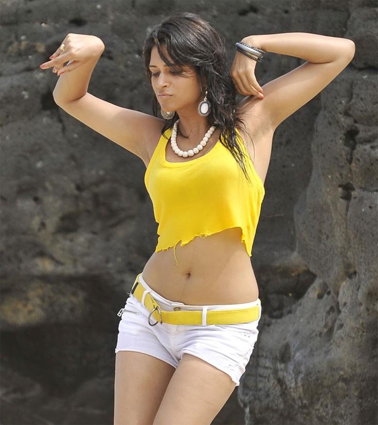 Hot Shraddha Das in Shorts