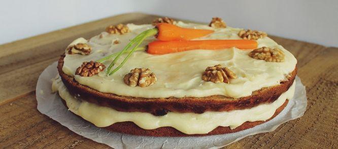 Carrot Cake Met Roomkaas-botercrème recept | Smulweb.nl