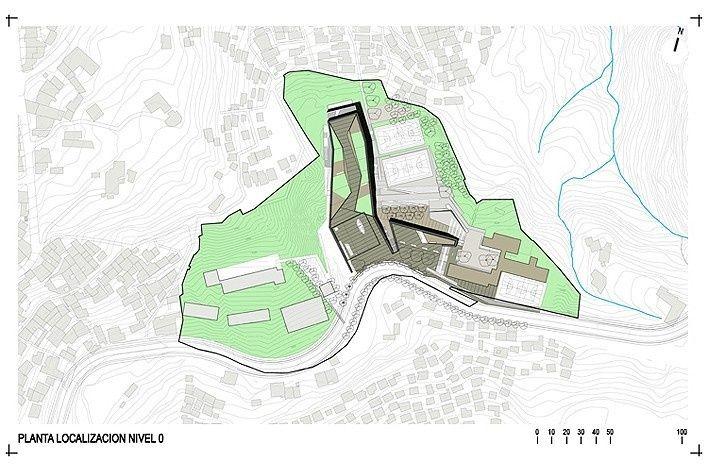 Localización Colegio Santo Domingo Savio. Medellín, Colombia. 2008<br />Obranegra arquitectos