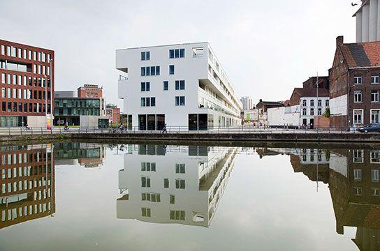 BALK VAN BEEL   De Balk van Beel, het eerste gebouw van de nieuwe Leuvense stadswijk Tweewaters, is meteen het meest duurzame residentiële gebouw in Europa. Het zet de toon voor de hele omgeving.