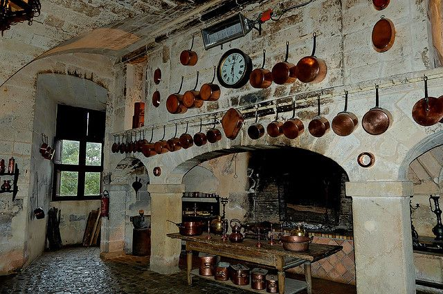 The Castle Kitchen In Paris Old World Style Kitchens