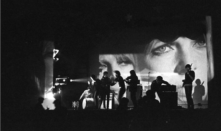 http://assets.loeildelaphotographie.com/uploads/article_photo/image/8664/6_OE_Velvet_Underground__Performing-6.jpg