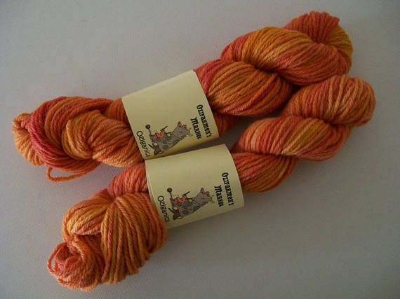 Colourway : Citrus Hand Dyed semi-solid 8 ply/light worsted/DK 50gm. Handwash in Wool-wash Spun from 100% Certified organic Australian Merino Wool. Suitable for felting. 104 metres Recommended Tension 22sts/10cm 4mm needles Please note the postage costs will allow up to 500gm (including weight of packaging) for this price. If you purchase more than one item Etsy will automatically add extra postage but I will refund the difference as soon as I receive your order. I do not ...