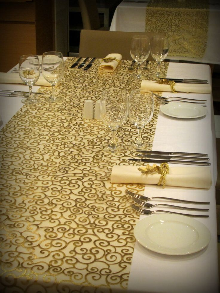 Remembering a past year's Christmas table runners & decor @ Elefsina Hotel!