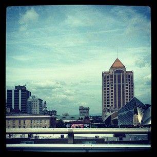 The skyline in downtown Roanoke, VA. https://apps.statigr.am/feed/web/front/feeds/27770033112/detail