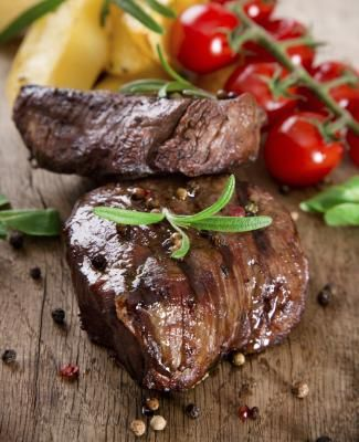 How to Bake Beef Sirloin Tip Steaks in Oven | eHow