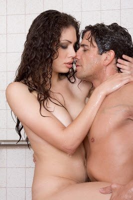 naked men and wemen together